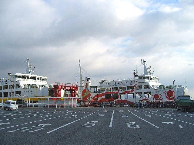 Taco-ferry_Iwaya